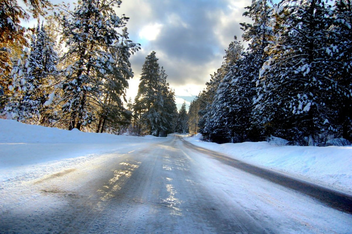 driving-on-snow-and-ice-3