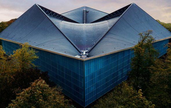 Το νέο «σπίτι» του design κόστισε 100 εκατ. ευρώ, αλλά κανείς δεν ξέρει αν του αρέσει
