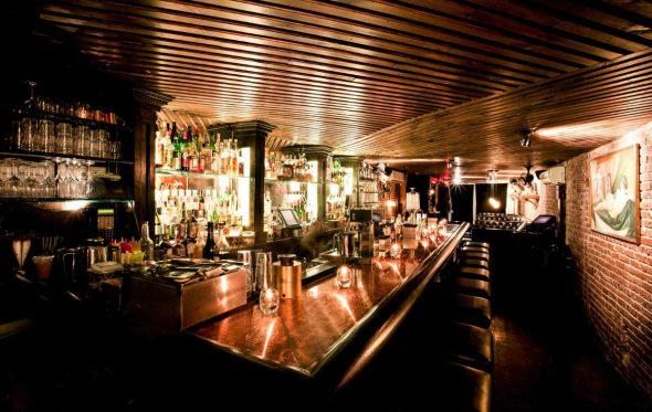 Έξι από τα πιο διάσημα μπαρ των ΗΠΑ προσγειώνονται στην Αθήνα