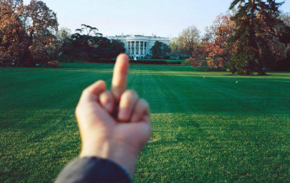 O Ai Weiwei κόντρα σε όλους