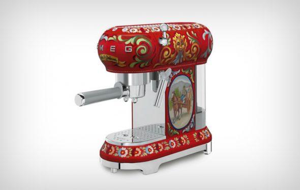 Τι γίνεται όταν η κουζίνα σου αρχίζει να «φοράει» Dolce & Gabbana;