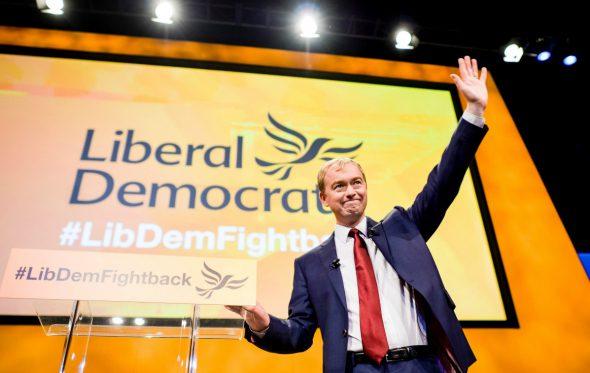 Οι ξαφνικές εκλογές στην Βρετανία είναι η μεγάλη ευκαιρία των Φιλελεύθερων Δημοκρατών
