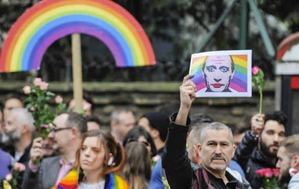 Μέρκελ εναντίον Πούτιν για τις διώξεις των gay