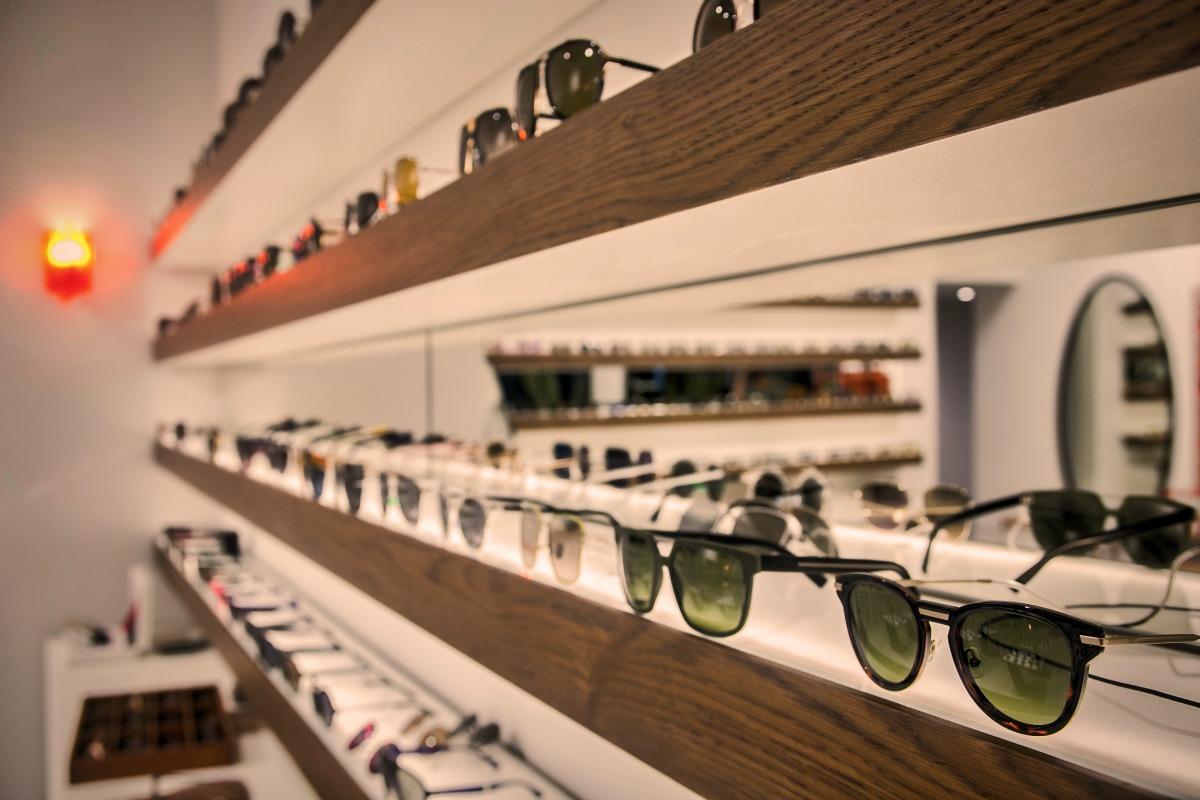 96a80aadfc Το κατάστημα πλέον συνεργάζεται κατ  αποκλειστικότητα με καινοτόμα brands  και ιστορικούς οίκους οπτικών