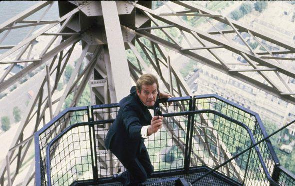 Roger Moore: Ο άνθρωπος που σνόμπαρε τον Bond