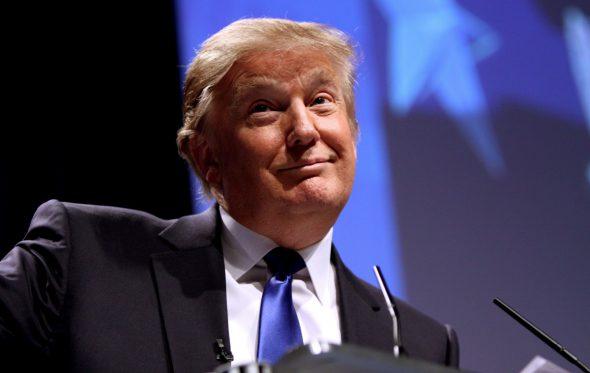 Ο Donald Trump και η πραγματική σημασία της λέξης «idiot»