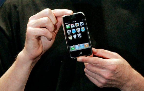 Το iPhone «γεννήθηκε» από το μίσος του Steve Jobs;