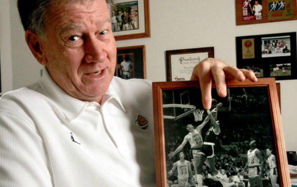 Ο Darrall Imhoff είχε την ατυχία να βρεθεί απέναντι στον Wilt Chamberlain το βράδυ που πέτυχε 100 πόντους