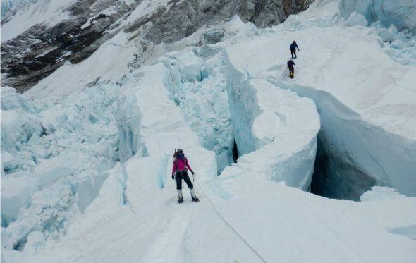 Βήμα-βήμα η προσπάθεια της Κικής Τσακαλδήμη για να αγγίξει την κορυφή του κόσμου [Μέρος B']