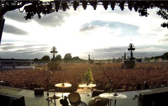Όταν 65.000 άνθρωποι τραγουδούν το «Bohemian Rhapsody» των Queen