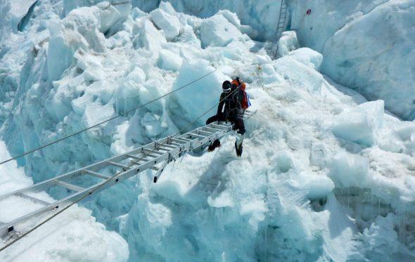 Βήμα-βήμα η προσπάθεια της Κικής Τσακαλδήμη για να αγγίξει την κορυφή του κόσμου [Μέρος Δ']
