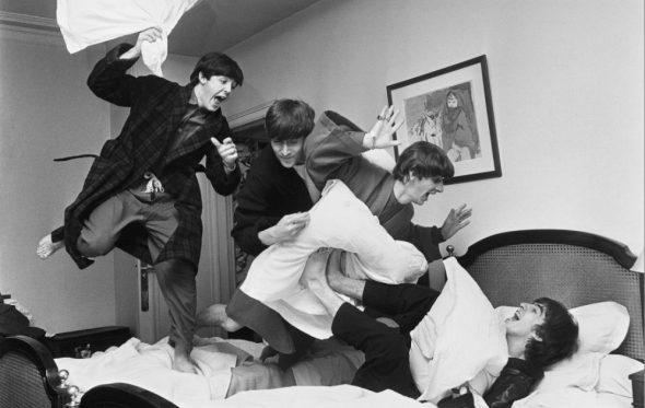 Ο Harry Benson κατέγραψε τη ζωή πίσω από την Beatlemania