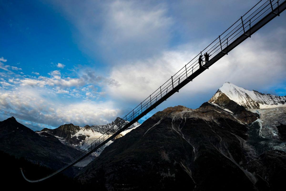 suspension-bridge-05-1440x960  25800911049
