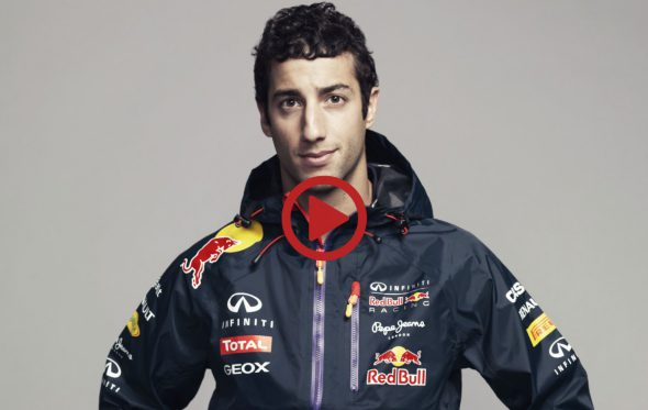 Μπορείς να φορέσεις ένα τζιν χωρίς να χρησιμοποιήσεις χέρια; Ο πιλότος της F1 Daniel Ricciardo τα κατάφερε
