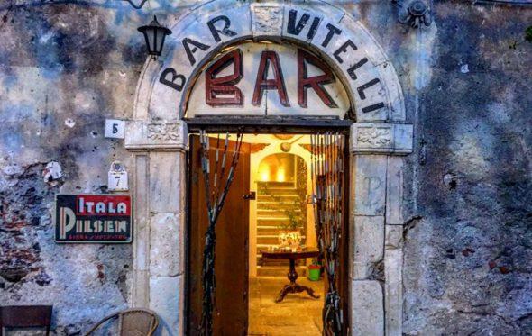 45 χρόνια μετά το Godfather, το bar Vitelli στη Σικελία είναι ακόμα ανοικτό
