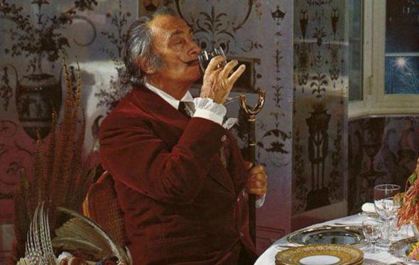 Παράνοια και κρασί στο μυαλό του Salvador Dalí