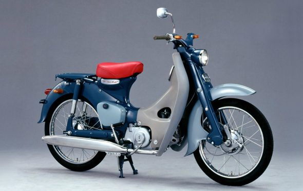 Honda Super Cub: Η χαρά του ντελιβερά, 100 εκ. «παπιά» μετά