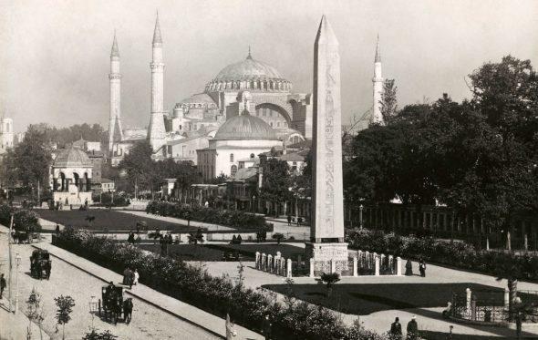 Κωνσταντινούπολη: Μια ιστορία τριών πόλεων