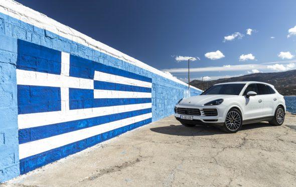 Το «Ελληνικό όνειρο» της Cayenne: Πώς έγινε το «εθνικό» μας αυτοκίνητο και που κατέληξε