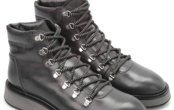 Ποια είναι τα stylish παπούτσια όταν βρέχει καρεκλοπόδαρα;