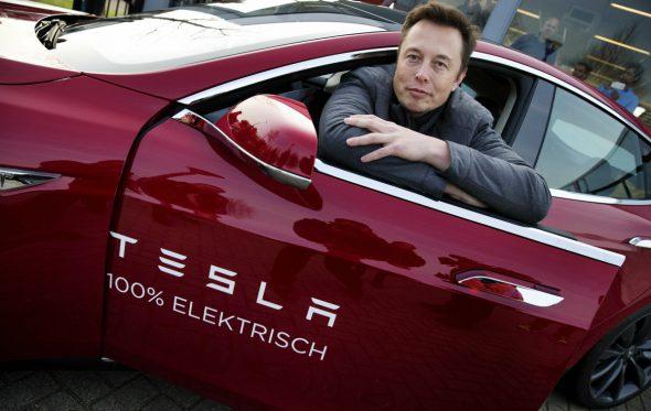 Η Tesla χάνει 500.000 δολάρια κάθε ώρα που περνάει