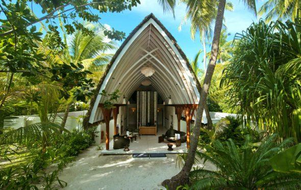 Αποστολή στις Μαλδίβες: Η πολυτέλεια της απλότητας στο Kandolhu resort