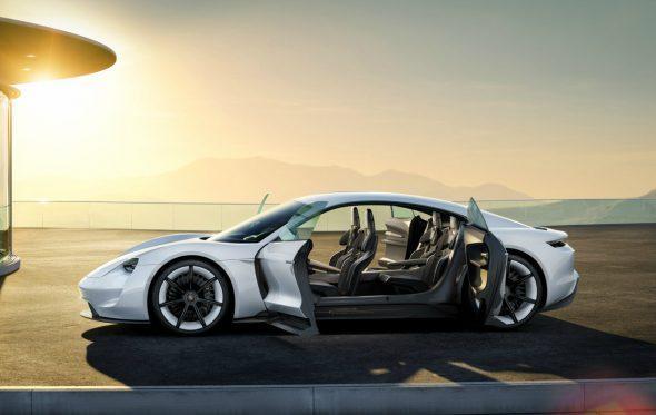 Porsche Mission E: Έτσι θα μοιάζει το μέλλον των 4 τροχών;