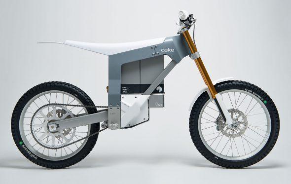 CAKE KALK: Συλλεκτική, ηλεκτρική και εμπνευσμένη από τα αγωνιστικά ποδήλατα