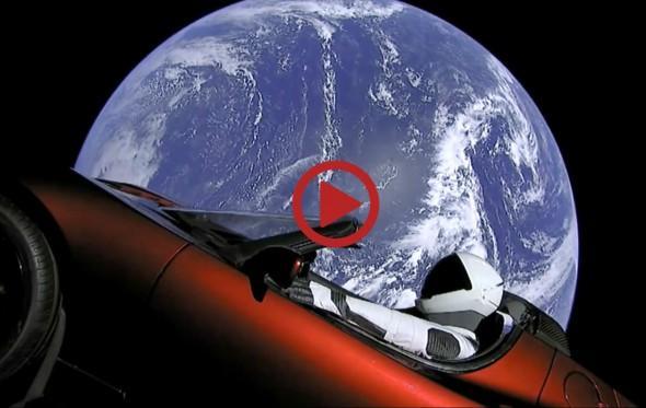 Έτσι φαίνεται το διάστημα μέσα από το Tesla Roadster του Elon Musk