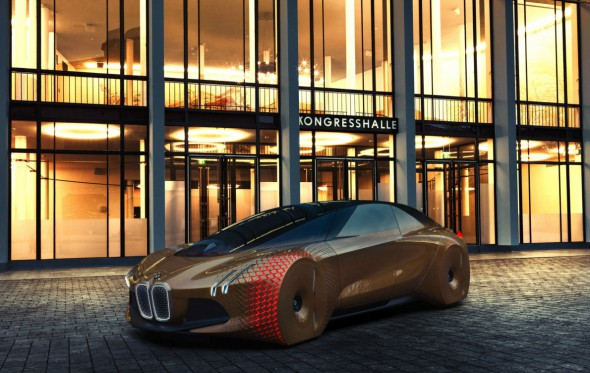 Το μέλλον της αυτοκίνησης είναι ηλεκτρικό. Και κοντύτερα απ' όσο «φοβόσασταν»
