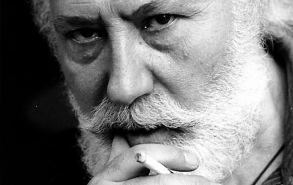 Νίκος Χουλιαράς: «Αυτά τα ποιήματα αγαπώ. Κι αυτά σιχαίνομαι»