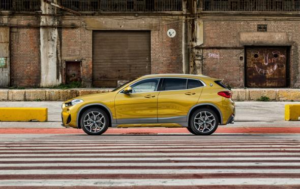 BMW X2. Ή πώς η BMW ξεφορτώνεται τη γραβάτα