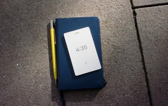 Light Phone 2: Η αποθέωση του μινιμαλισμού