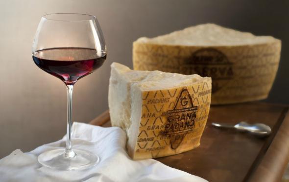 Grana Padano: Βορεινή ιταλική φινέτσα. Όχι σε γυναίκα, αλλά σε τυρί