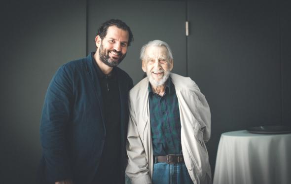 Με τον τελευταίο των μοντερνιστών Κωνσταντίνο Δεκαβάλλα, και άλλους κορυφαίους αρχιτέκτονες