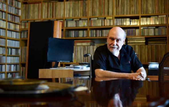 Στο κέντρο της Αθήνας υπάρχει ένα ρετιρέ με τη σημαντικότερη συλλογή κλασικής μουσικής