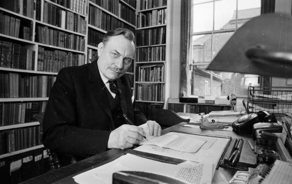 Enoch Powell: Ένας «φιλελεύθερος», «ξενοφοβικός», «αριστερός» που διχάζει ακόμα