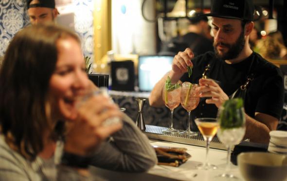 World Class Fine Drinking Athens: Φέτος είναι η χρονιά της «δεξιοτεχνίας» στα εκλεκτά κοκτέιλ