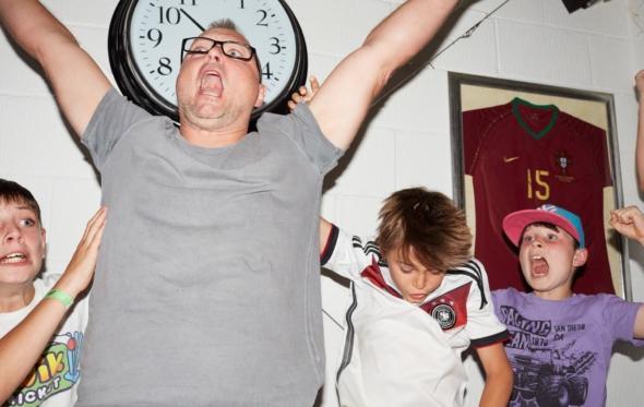 Εσύ πώς αντιδράς όταν βλέπεις ποδόσφαιρο;