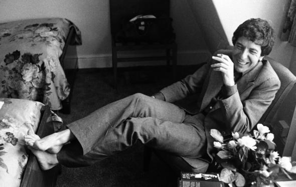 Λέοναρντ Κόεν: «Γεννήθηκα φορώντας κοστούμι»