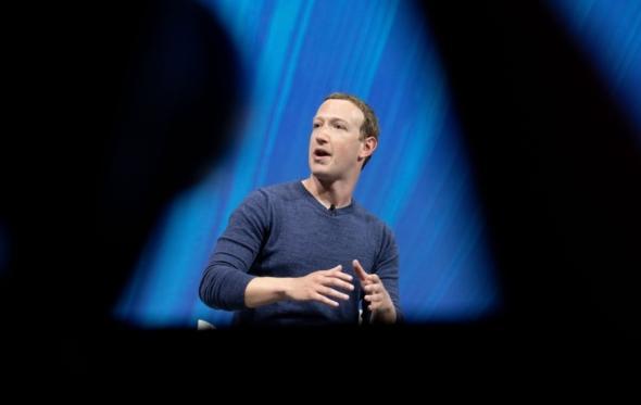 Mark Zuckerberg: Ξεκίνησε η πτώση του «αυτοκράτορα» των social media;