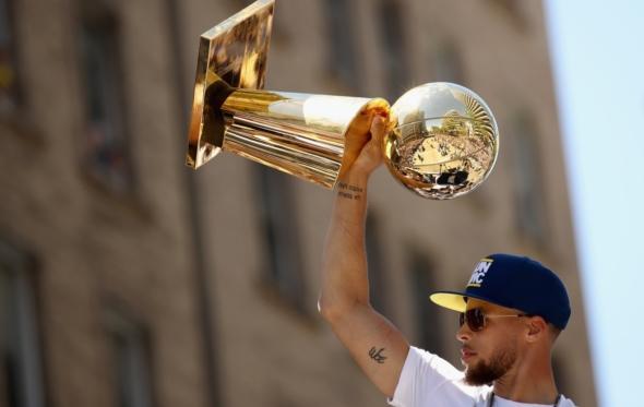 Οι Γκόλντεν Στέιτ Γουόριορς μόλις «χάλασαν» το NBA;
