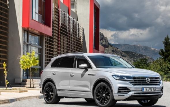 Νέο Touareg: η Volkswagen στα χωράφια των Porsche, BMW και Audi