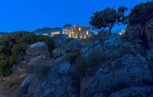 House in Volax: ένα (μοναδικό) σπίτι μέσα στους βράχους της Τήνου
