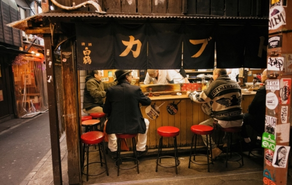 Βουτιά στο εξωπραγματικό: Το «προσκύνημα» μιας Ελληνίδας στο Τόκιο