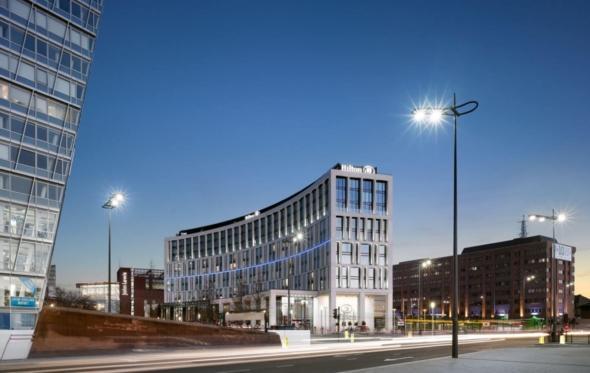 Μαργαρίτα Μπουλάκη: Μια Ελληνίδα σε ένα από τα κορυφαία αρχιτεκτονικά γραφεία του Λονδίνου
