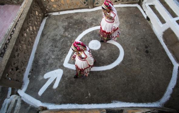 «Ήθος»: Μια έκθεση γεμάτη ευγενή Ελλάδα στο Μουσείο Μπενάκη
