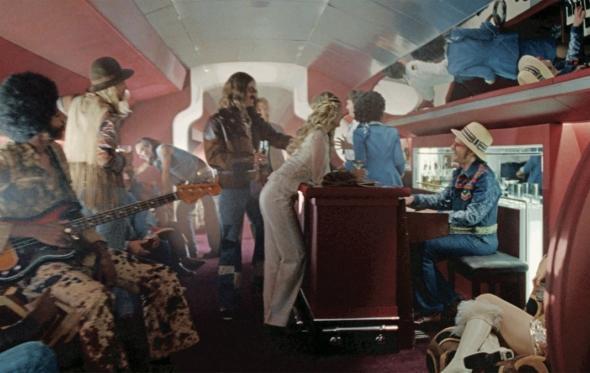Το Χριστουγεννιάτικο διαφημιστικό του John Lewis & Partners «ακούει» μόνο Elton John