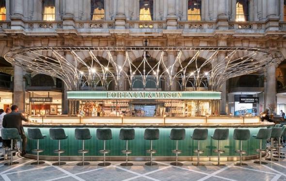 Εδώ Λονδίνο: Το Fortnum & Mason μας χαιρετά από το Royal Exchange
