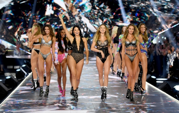 Η μοναξιά της Victoria's Secret. Η Adriana Lima δεν είναι πια εκεί